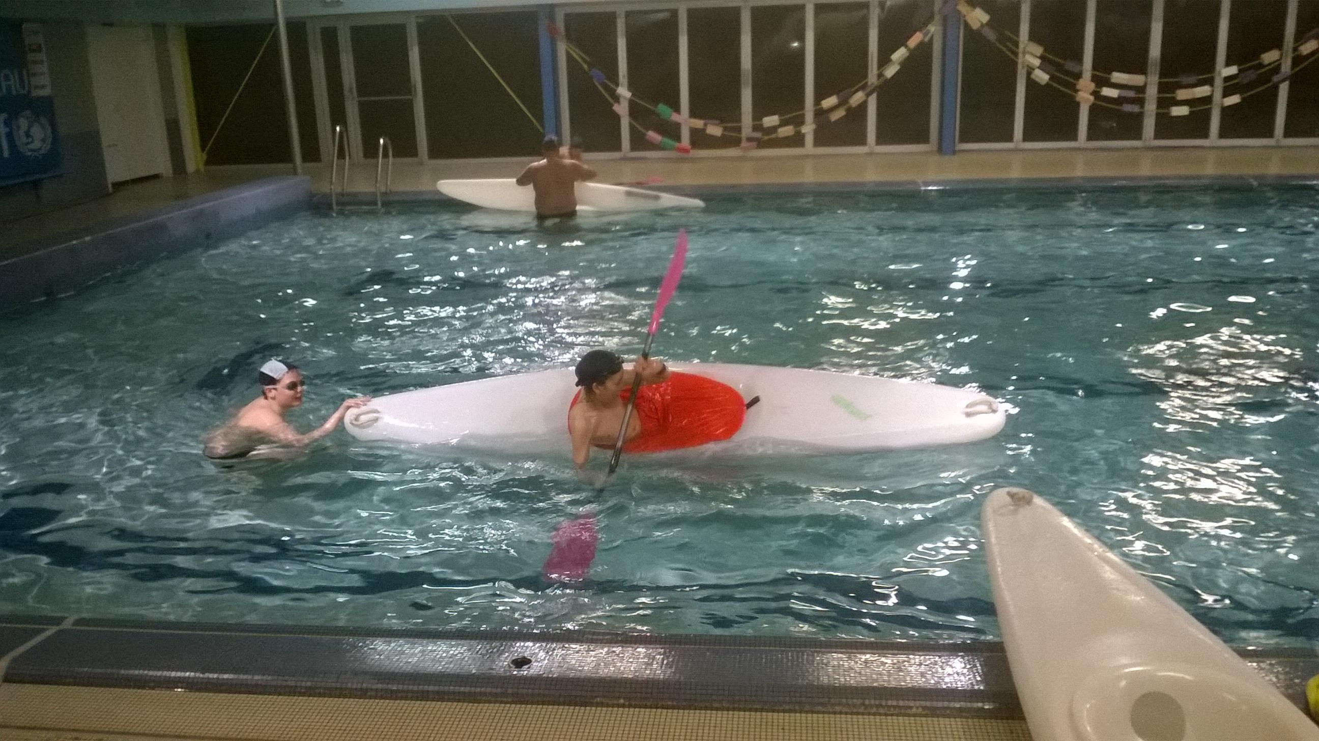 Activit s du club cano kayak de thouars for Piscine thouars